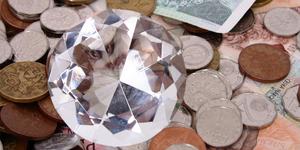 Как привлечь деньги: практика кристалла