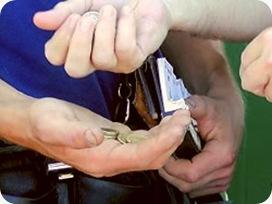 hands-n-coins_big